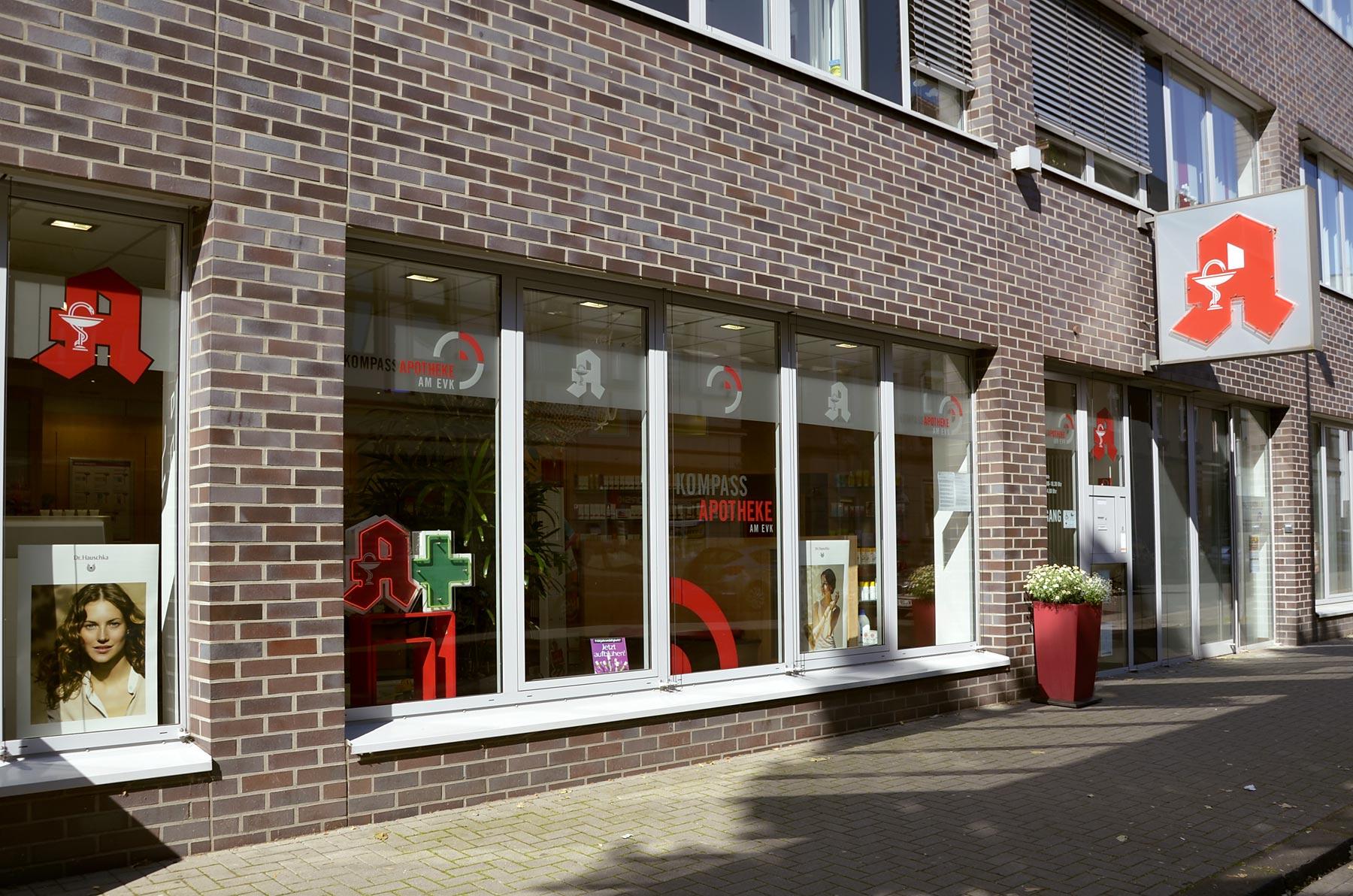 Schaufenstergestaltung Apotheke