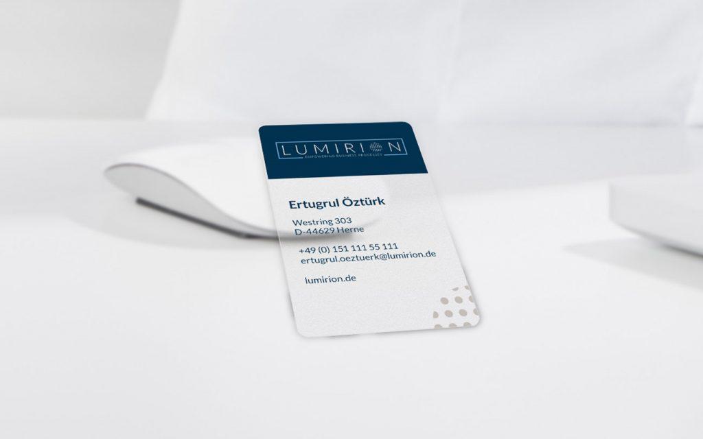 Design einer transparenten Visitenkarte